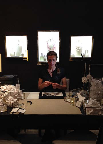 Chanel Paris Workshop pret à porter - Marjorie Colas - creation papier - decoration