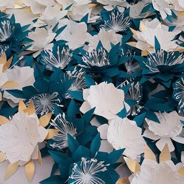 broches fleurs en papier