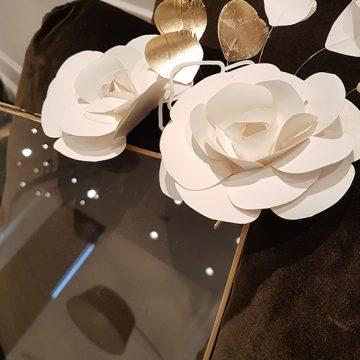 fleurs en papier pour la maison chanel